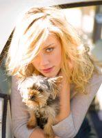 Фото Эмбер Хёрд с собачкой