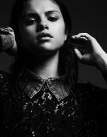 Фото Selena Gomez - Interview 2011