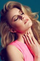 Greta Gerwig photoshoot for Flare 2013