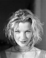 Gretchen Mol - InStyle 1999