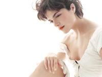 Selma Blair - InStyle 2004