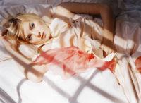 Elisha Cuthbert - Flaunt 2005