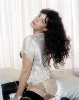 Liv Tyler - Gloss 2003