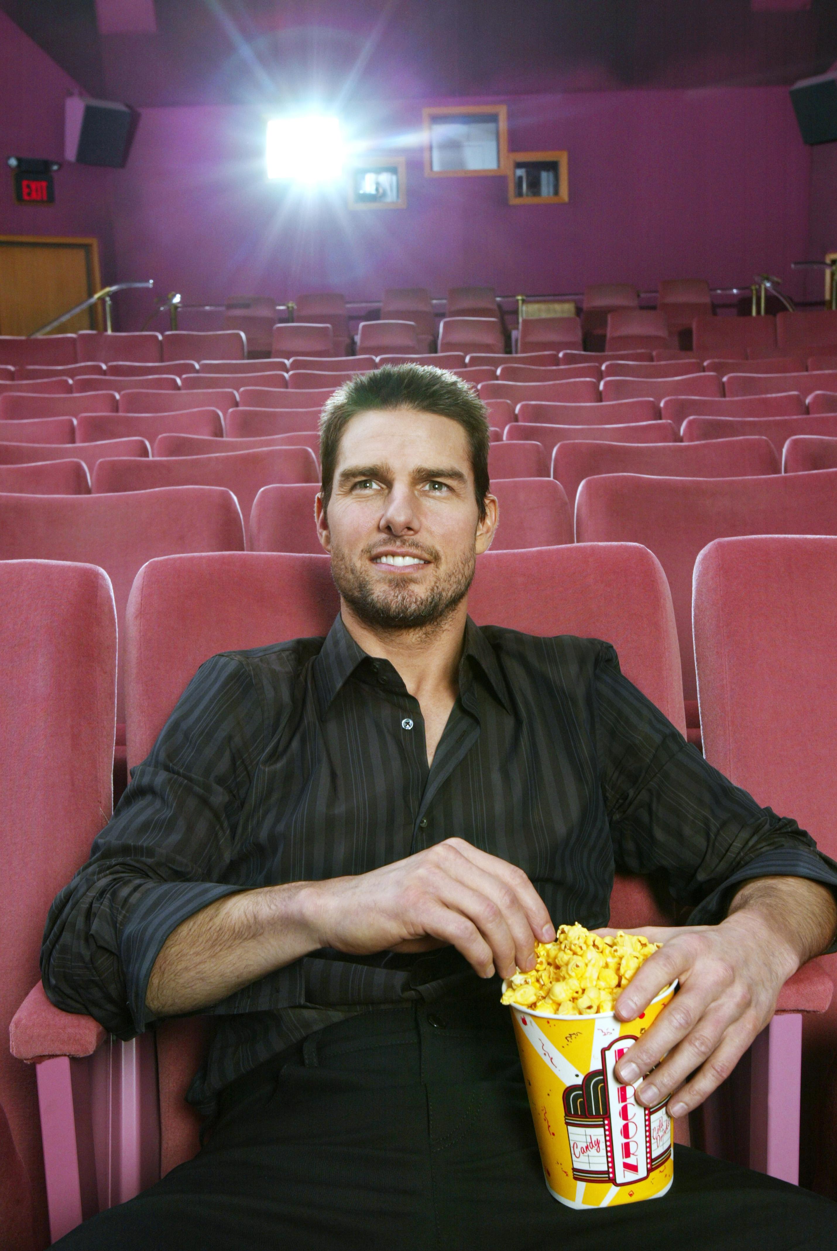 Tom Cruise Usa Today November 18 2003 Hq