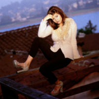 Tiffani-Amber Thiessen - Self Assignment 1995