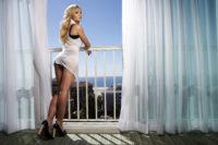 Kristen Bell - Portrait session in Los Angeles 2007