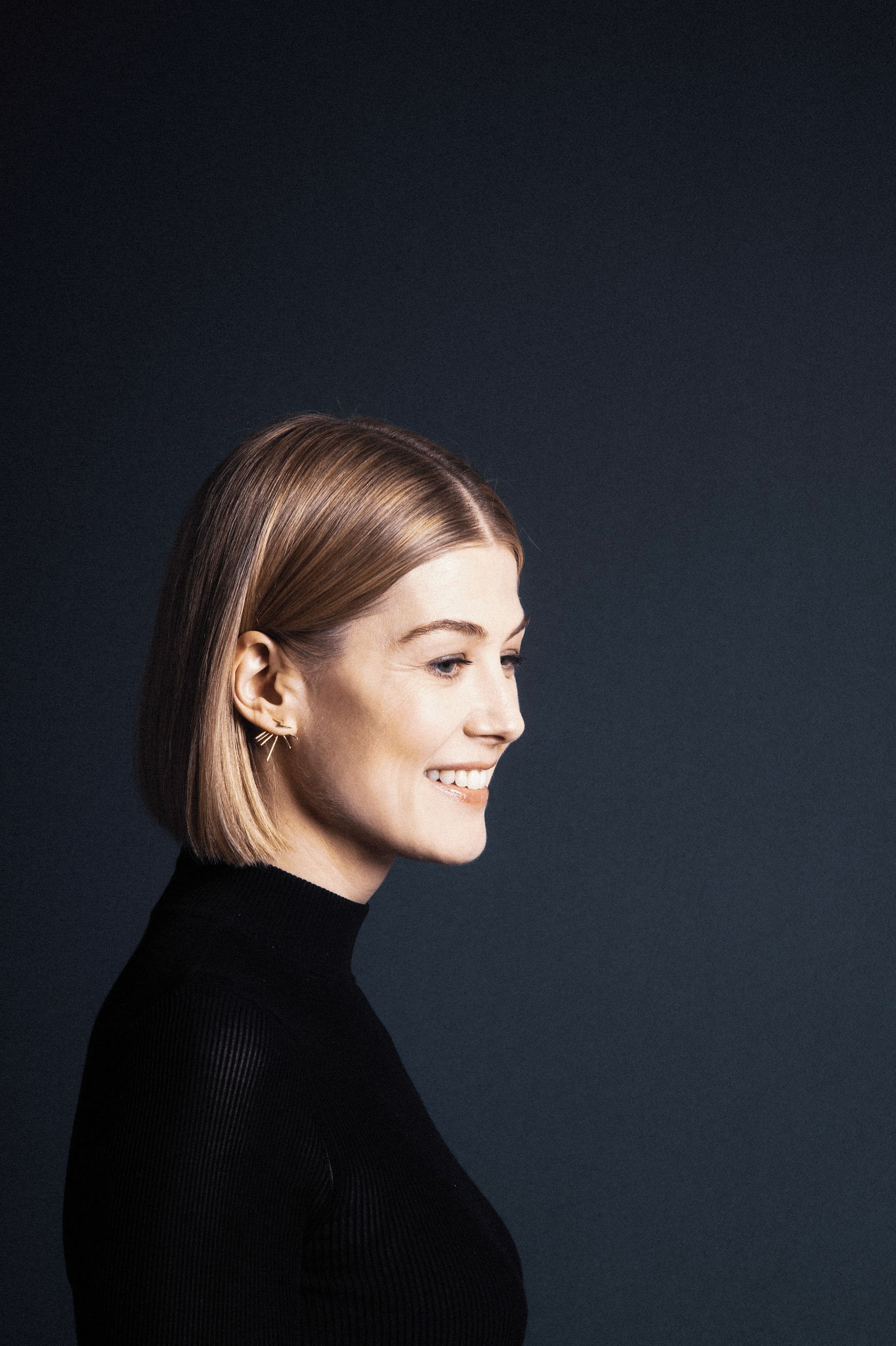 Rosamund Pike Wallpapers High Resolution and Quality Download