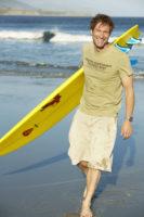 Aaron Eckhart - Men's Health photoshoot (June 11, 2008)