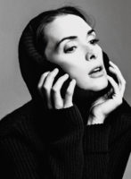 Winona Ryder - New York Magazine (August 2016)
