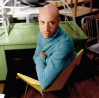 Robert Verdi - Sportswear International (December 1, 2000)